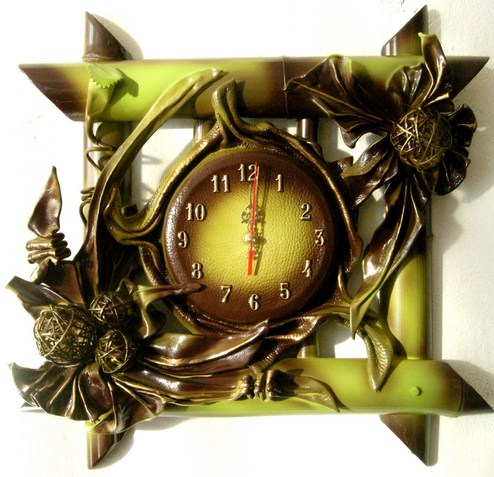 LEATHER CLOCK. POLISH PRODUCER. FOR MANY OCCASIONS.