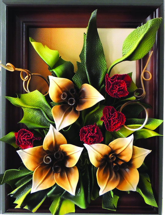 Obraz ze skóry z kwiatami, producent - Picture of  leather with flowers,  manufacturer  - Картини з шкіри з квітами, виробник - Bild aus Leder,  Hersteller