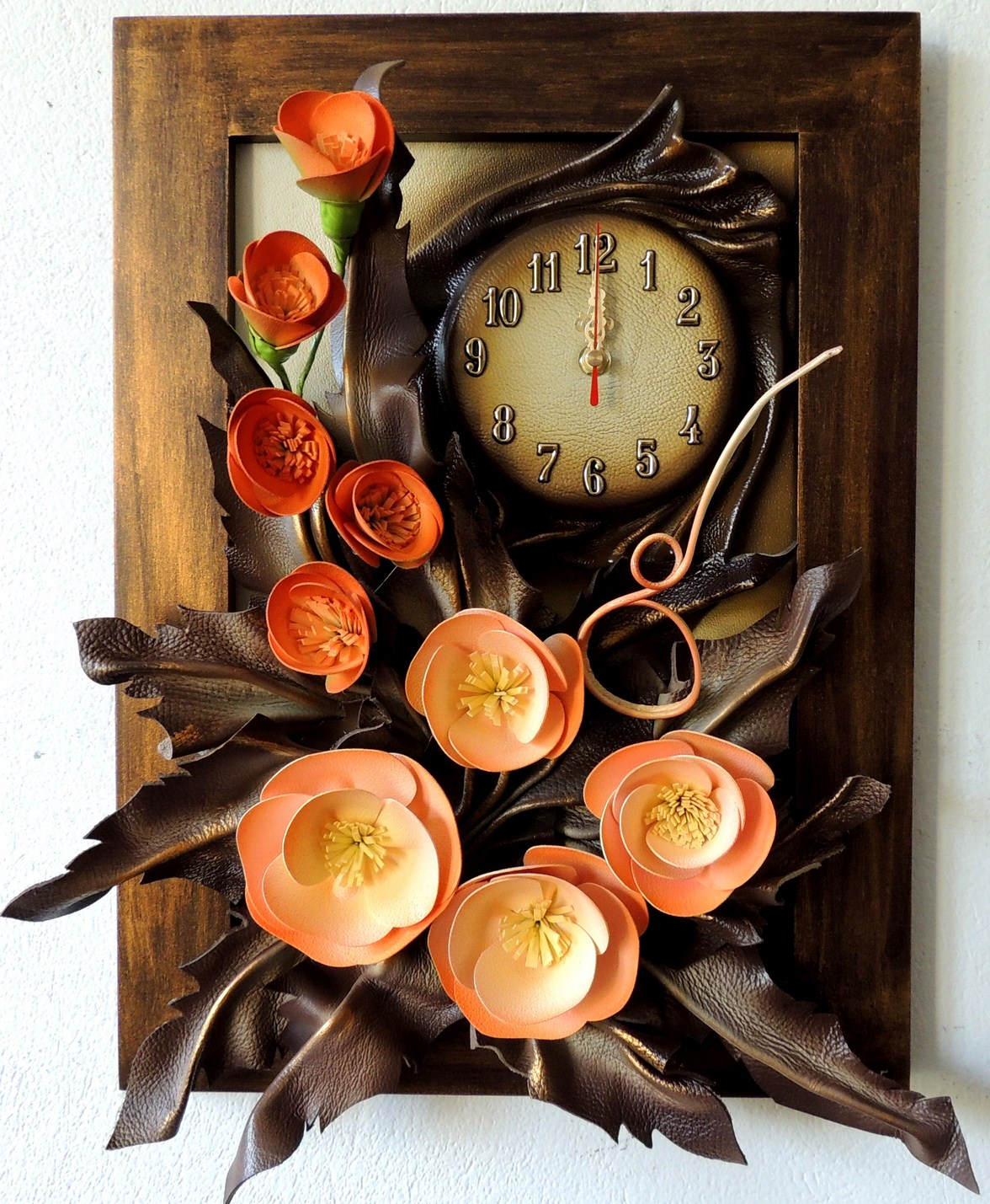 PROSTY I ELAGANCKI OBRAZ Z ZEGAREM. LEATHER CLOCK. POLISH PRODUCER. FOR MANY OCCASIONS.